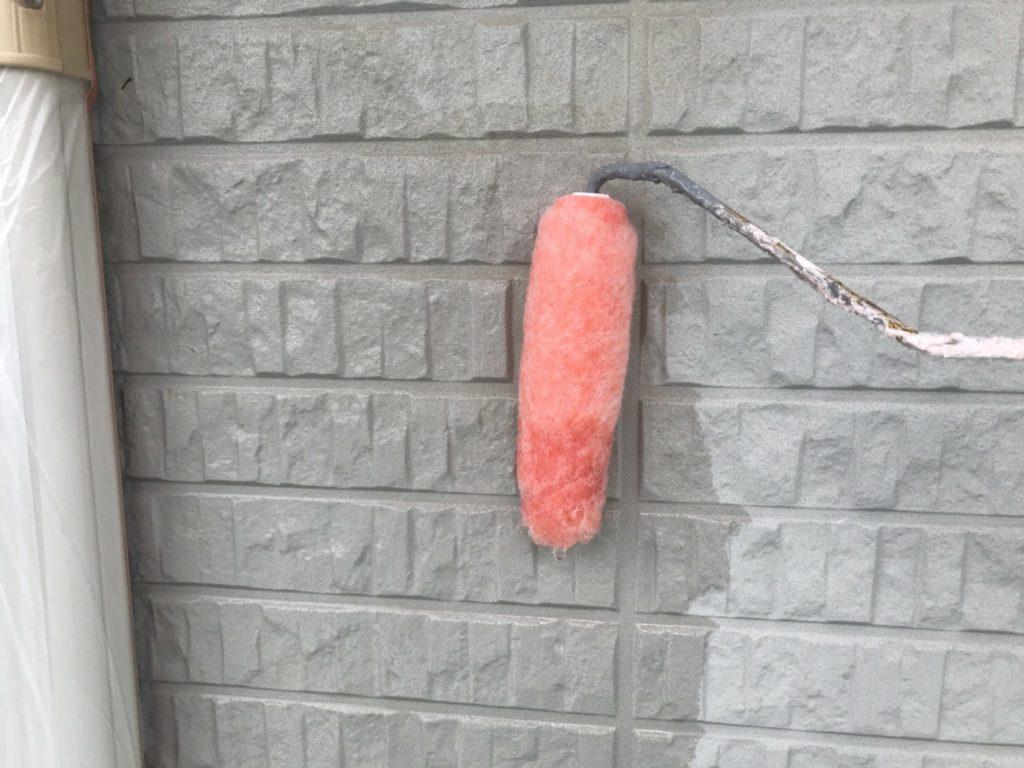 外壁塗装 下塗り 密着材塗り