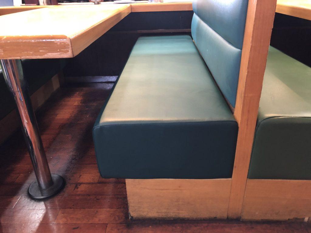 椅子改修工事
