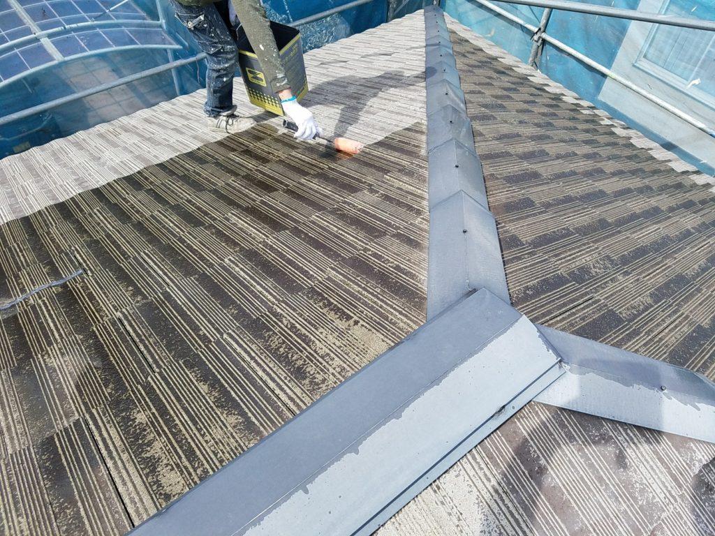 屋根塗装 下塗り 密着材塗り