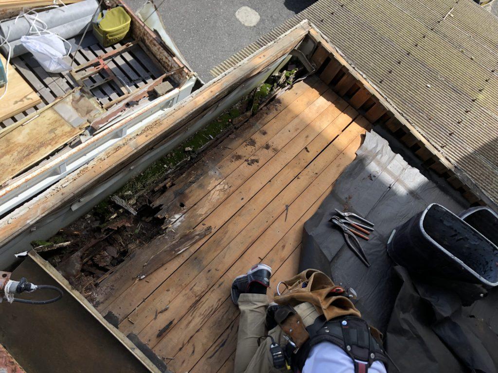 雨漏り改修工事 屋根板金工事