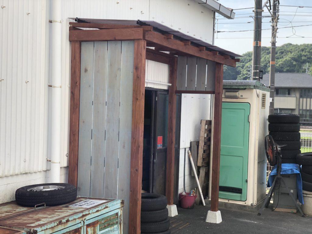 ウッドテラス ポリカ波板屋根