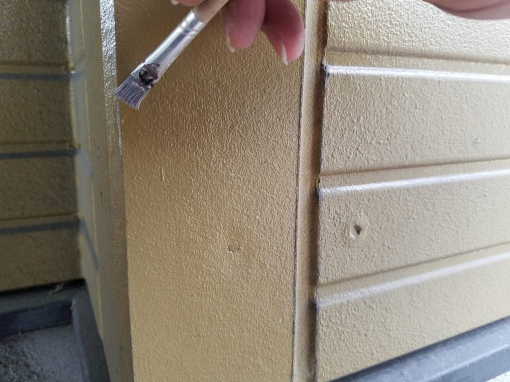 外壁塗装 密着材塗布